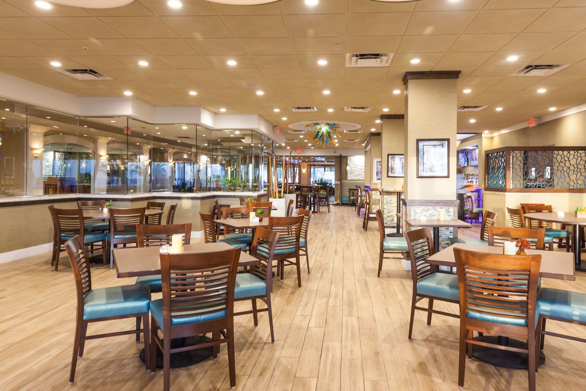 Restaurant Cedar's Palace